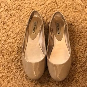Barely worn Steve Madden Nude Flats